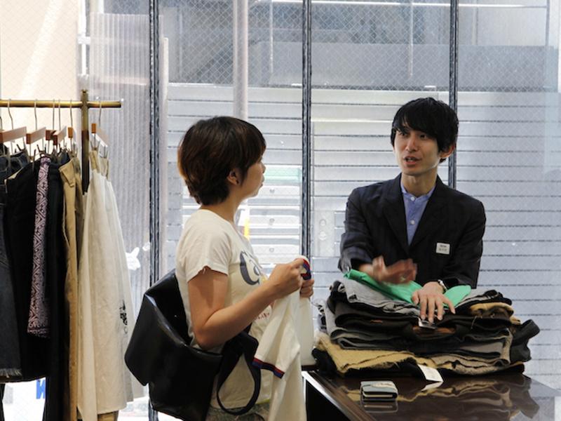 ▲福森さんのお仕事について知ることができたので、私はちゃっかりポロシャツを購入。